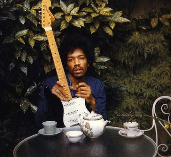 a98867_Oddee-Last-Hendrix