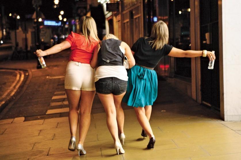 mulheres-fracas-bebida-838x558