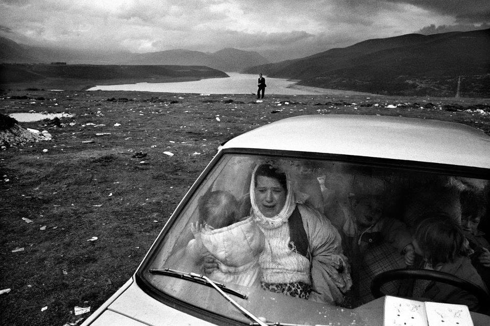 Albanians escaping from Kosovo. Kukes, Albania, Francesco Zizola