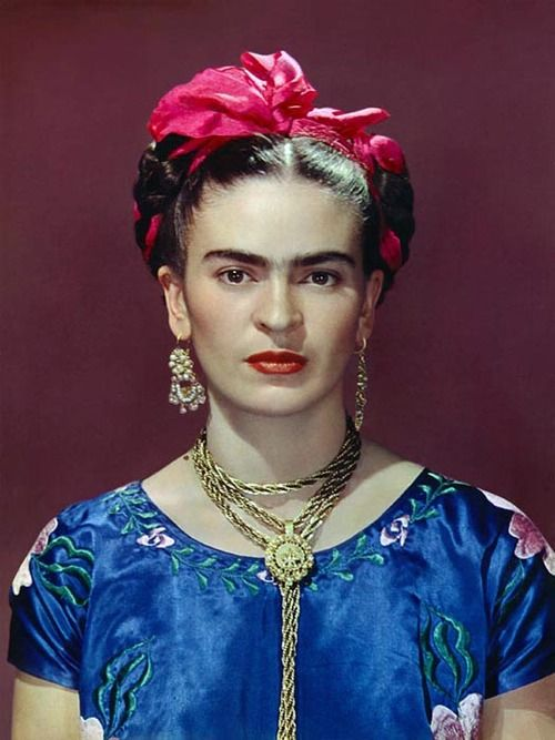 Frida Kahlo, photo by Nickolas Muray, New York, 1939.