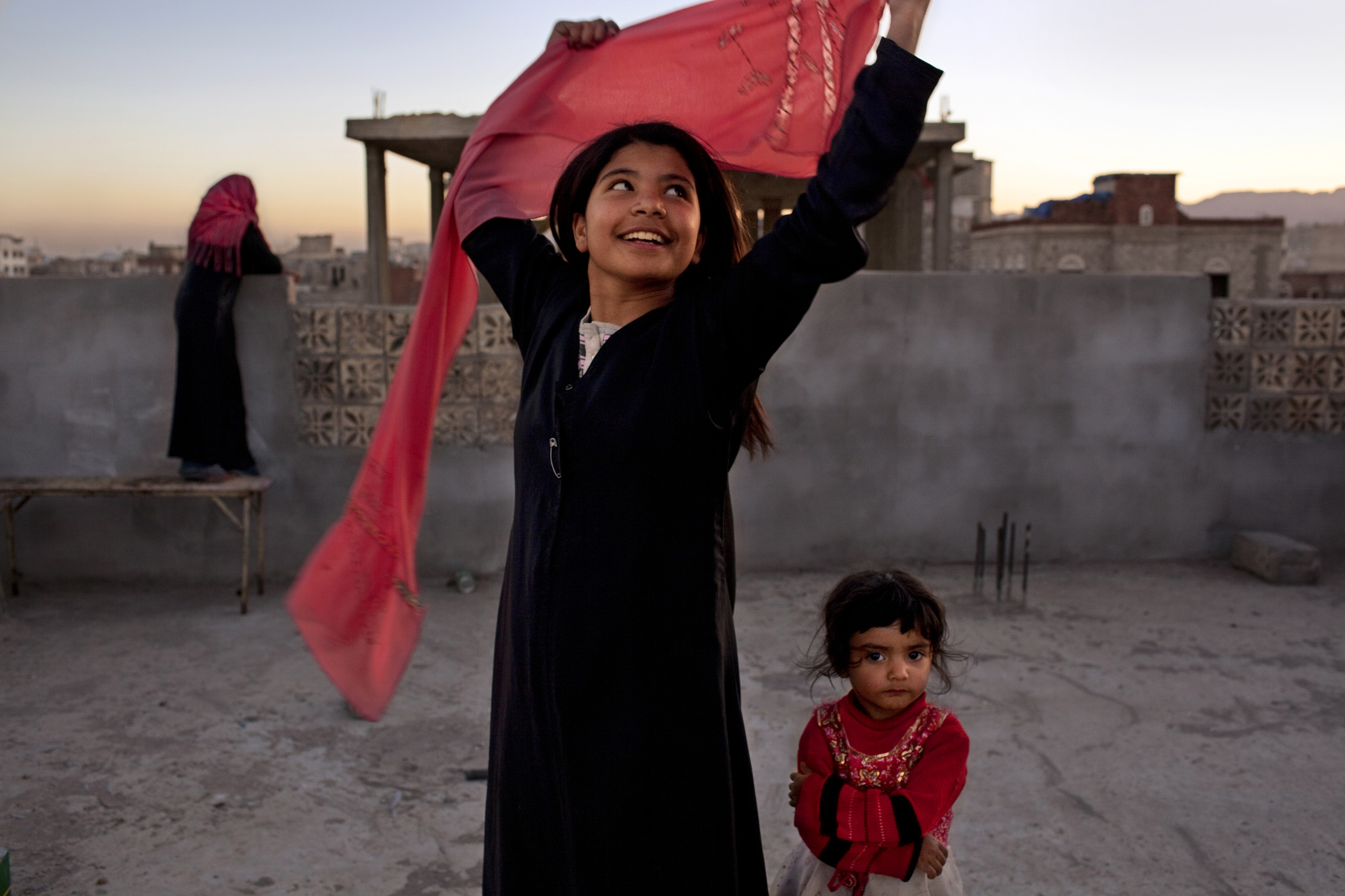 """ujood Ali surpreendeu o mundo em 2008 ao se divorciar com dez anos no Iêmen, dando um grande passo contra casamentos forçados. Foto de Stephanie Sinclair, cortesia da National Geographic """"Mulheres de Visão"""""""