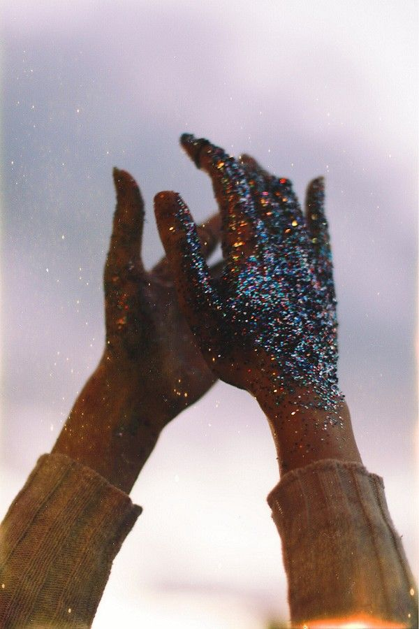 Glitter hands by KPatouhas