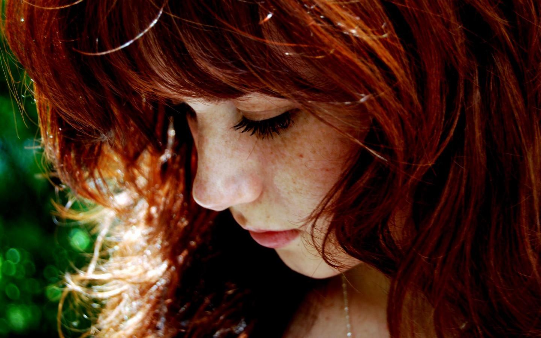 Woman-Girl-Freckles-Redhead-900x1440