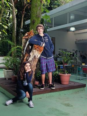 MOTIVAÇÃO Artur e Olívia na Escola Parque, de linha construtivista, no Rio de Janeiro. A mãe deles os tirou de uma escola tradicional, embora tivessem boas notas. Ela diz que eles estavam