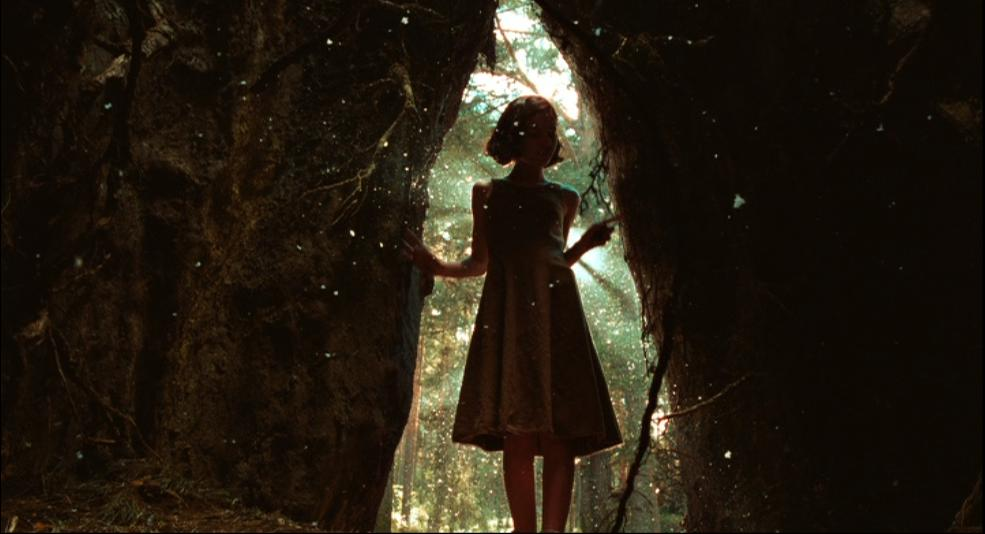 pans-labyrinth-ofelia-in-the-fig-tree