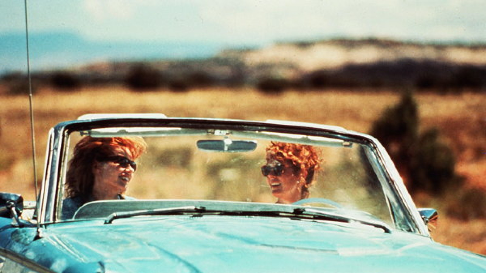 Title: THELMA AND LOUISE ¥ Pers: DAVIS, GEENA / SARANDON, SUSAN ¥ Year: 1991 ¥ Dir: SCOTT, RIDLEY ¥ Ref: THE079BE ¥ Credit: [ MGM/PATHE / THE KOBAL COLLECTION ]