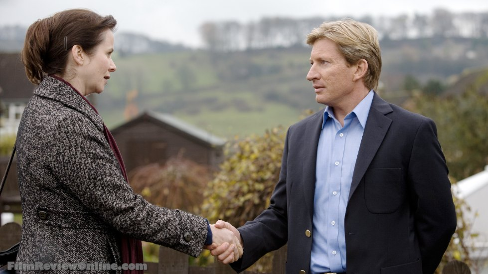 Oranges and Sunshine - Margaret Humphreys (Emily Watson) and Len (David Wenham)