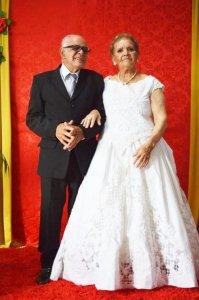 A vida começa aos 80: Idosos se apaixonam e se casam em asilo no Rio Grande do Sul