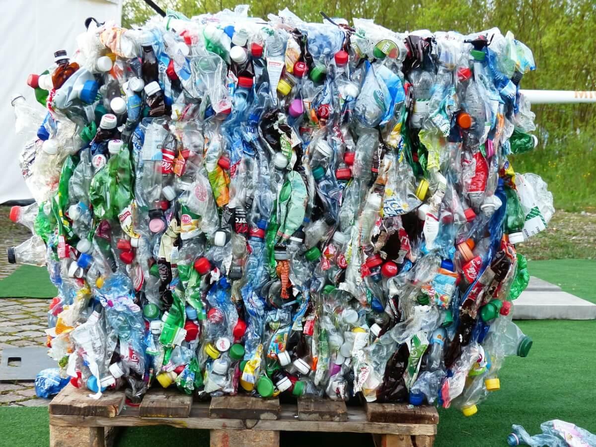 Modelo de Reciclagem da Noruega pode salvar o planeta do lixo plástico